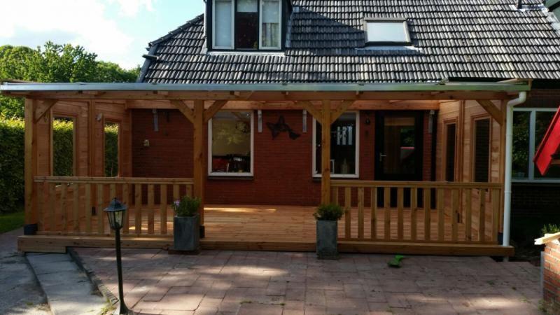 Lariks veranda met zijwanden en lariks vloer for Houten veranda